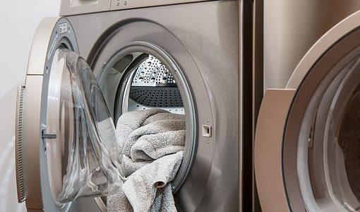 洗濯物を干し忘れた時はどうする?洗い直しすべき放置時間は?