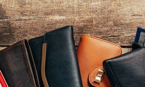 革財布クリーニングの料金相場は?専門店に出すか自分でやるか、どっち?
